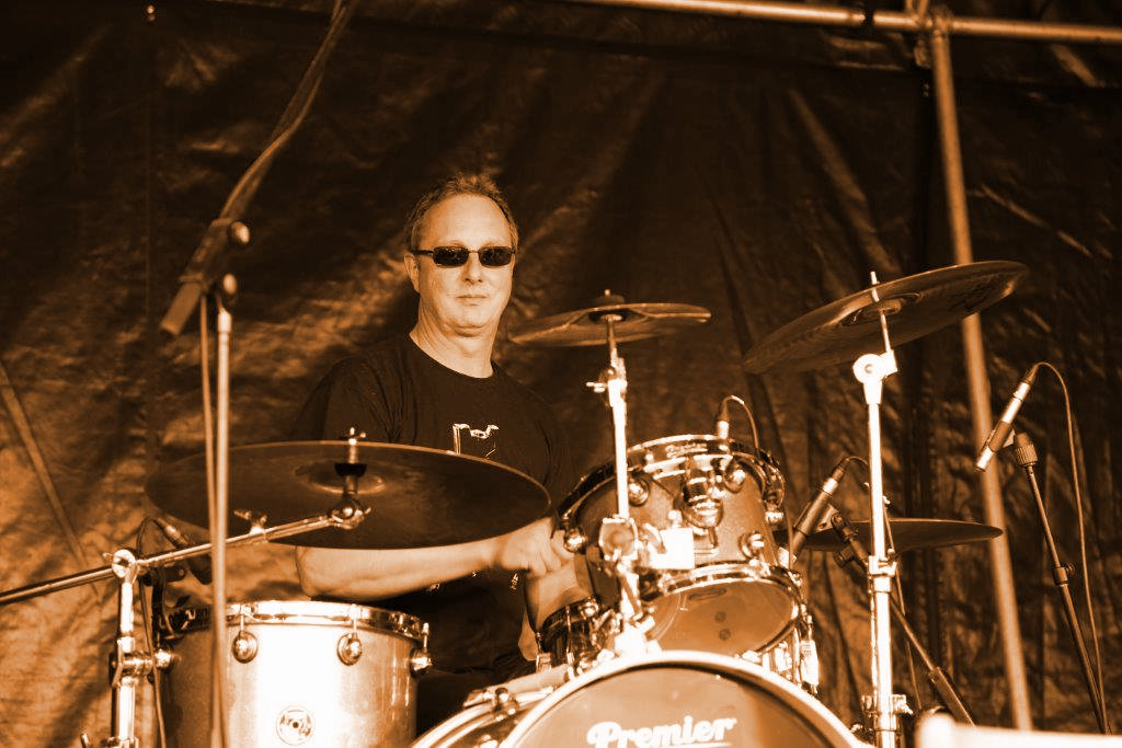 Frieder Simon. Drums