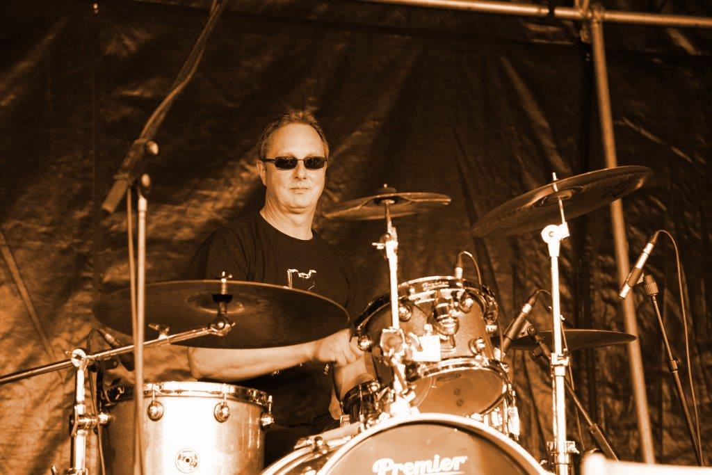 Frieder Simon. Drums